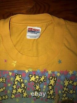 VINTAGE 1994 Awesomely Distressed BEATLES MAGICAL MYSTERY TOUR Large RARE