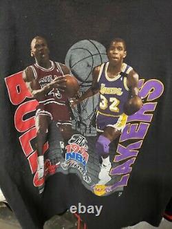 Vintage 1991 NBA Finals Michael Jordan Magic Johnson T Shirt Lg. Bulls Lakers