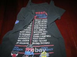 Vintage 1991 NBA Finals Michael Jordan Magic Johnson T Shirt Sz. L Bulls Lakers