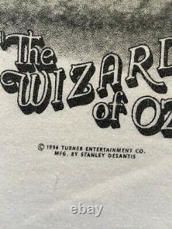 Vintage 1996 Wizard of OZ Movie T Shirt Stanley Desantis Size L Twister