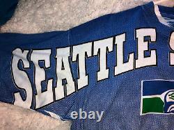 Vintage Mens XL Seattle Seahawks 1994 All Over Print AOP Magic Johnson T Shirt
