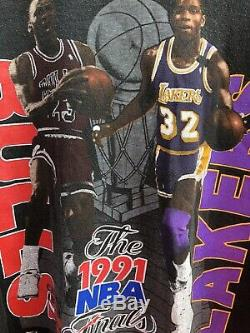 Vintage Salem Jordan Vs Magic Bulls Vs Lakers 91 NBA Finals T-shirt Size XL